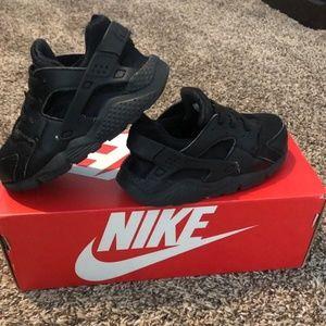 Unisex Kids nike huarache shoes